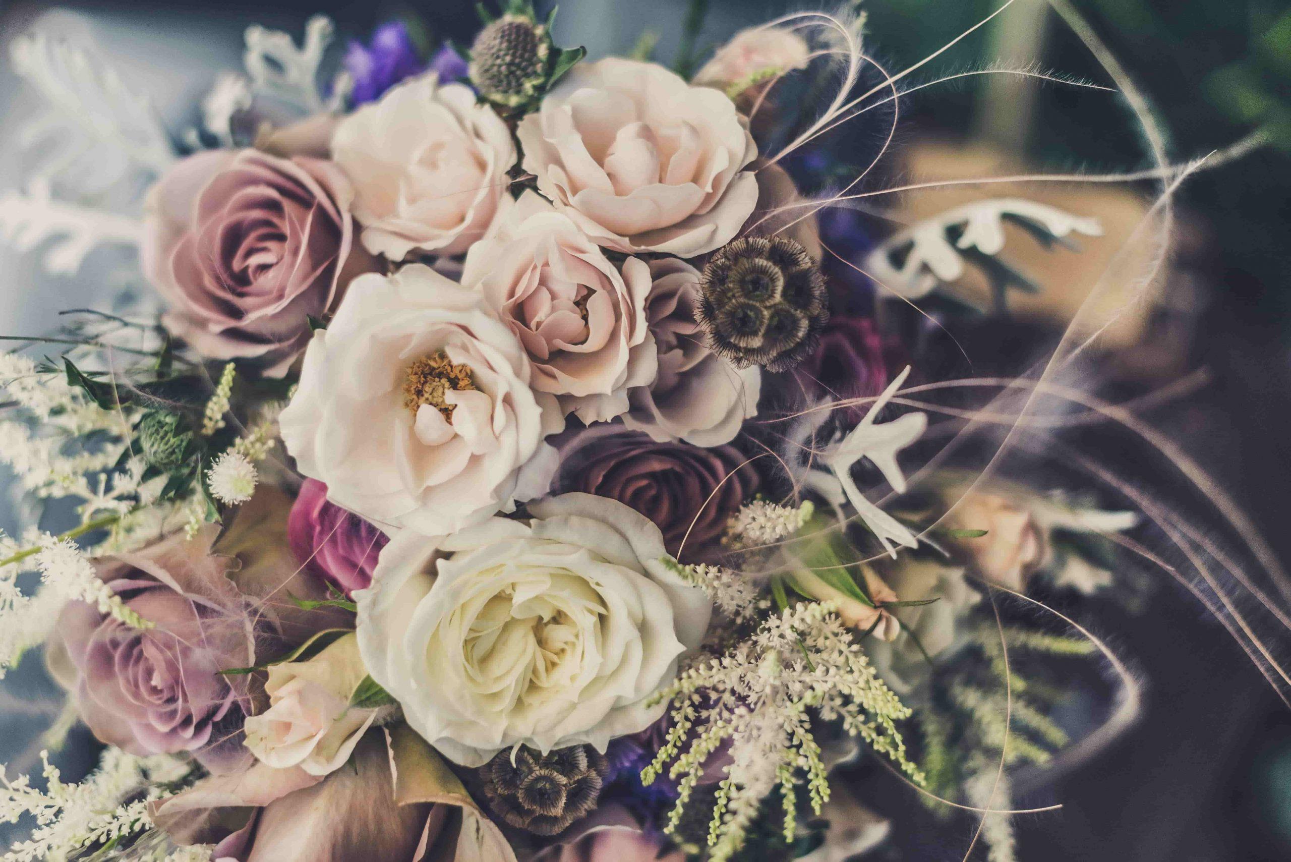 Beautiful-Bridal-Flowers-pale-pinks-apricots