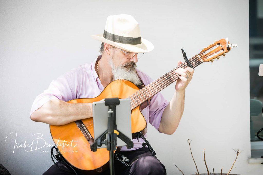 Guitarist-Wedding