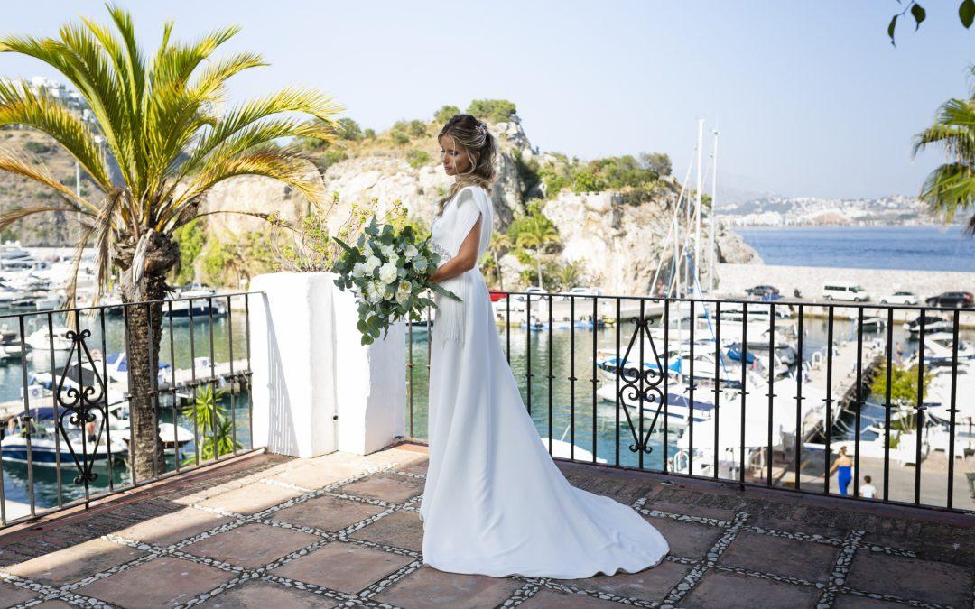 Bride-balcony-sea
